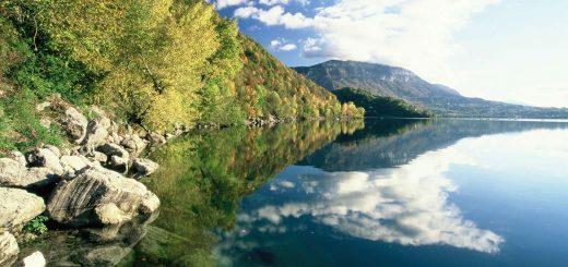 Vue-de-Nances-Lac-d-Aiguebelette_format_1200x600